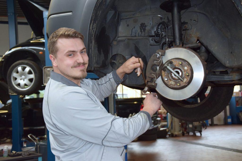 Viktor Kronich KFZ Mechatroniker